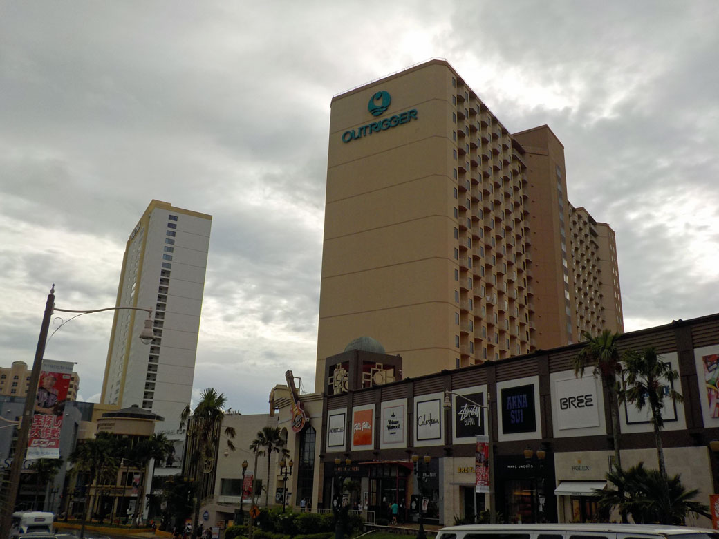 plaza002