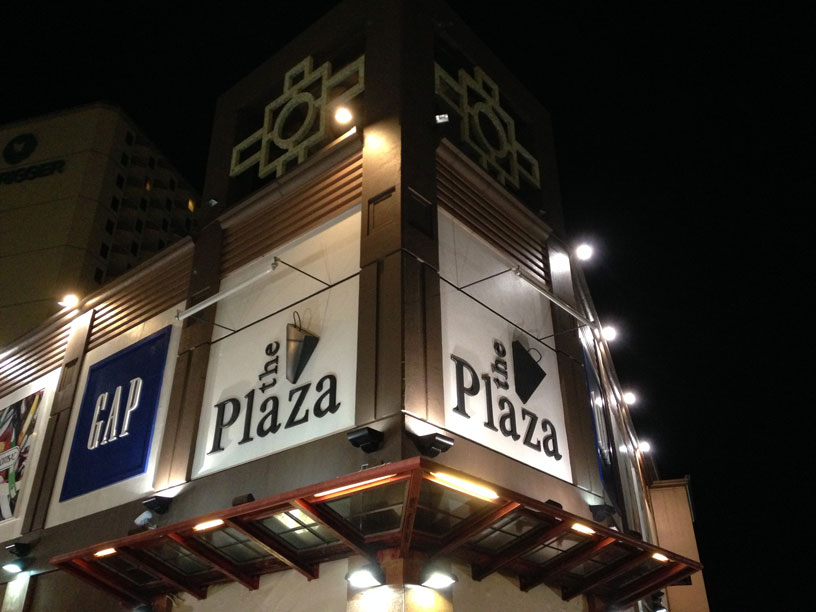 plaza003